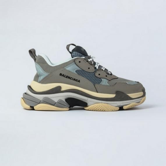 Sneaker Balenciaga Triple S Xám