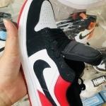 giay_nike_air_jordan_1_low_black_toe_(3).jpg