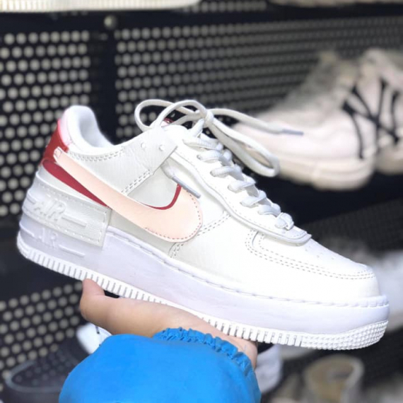Giay Thể Thao Nike Air Force 1 Shadow Trắng Viền đỏ Giày nike air force 1 07 low white butterfly print (custom). giay thể thao nike air force 1 shadow trắng viền đỏ
