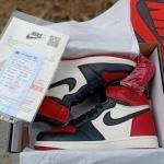 nike_air_jordan_1_retro_high_og_bred_toe_(5).jpg