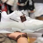 Sneaker Balenciaga Triple S Trắng Sữa