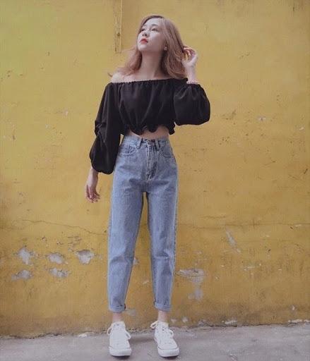 Đi chơi hè với áo trễ vai + quần baggy jeans